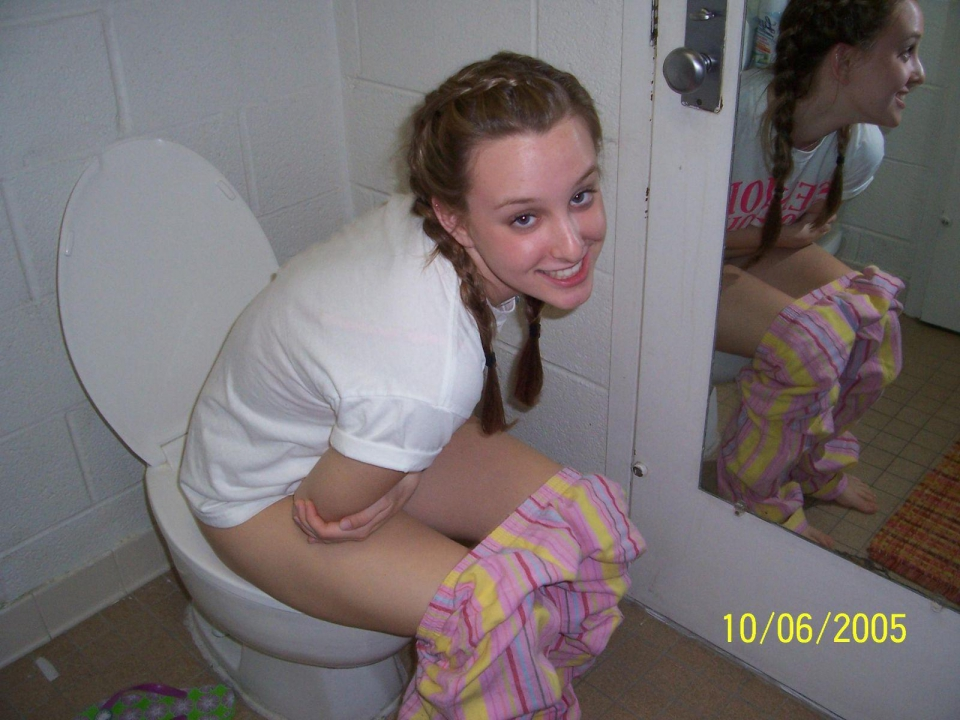 girls caught peeing on toilet 300x225 size