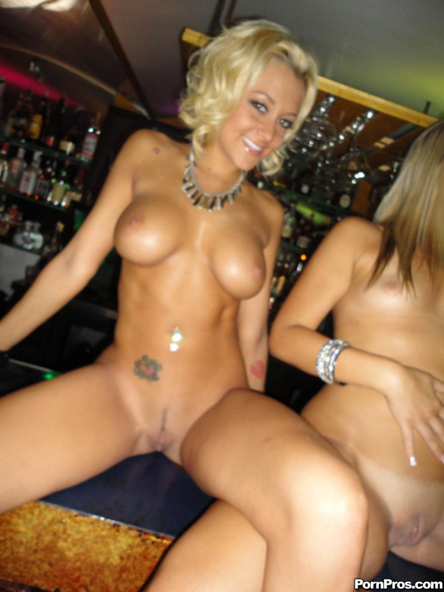 stripper club girls naked