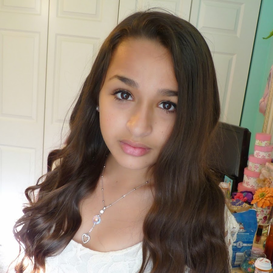 Transgender Jazz Jennings knew she was a girl born in a