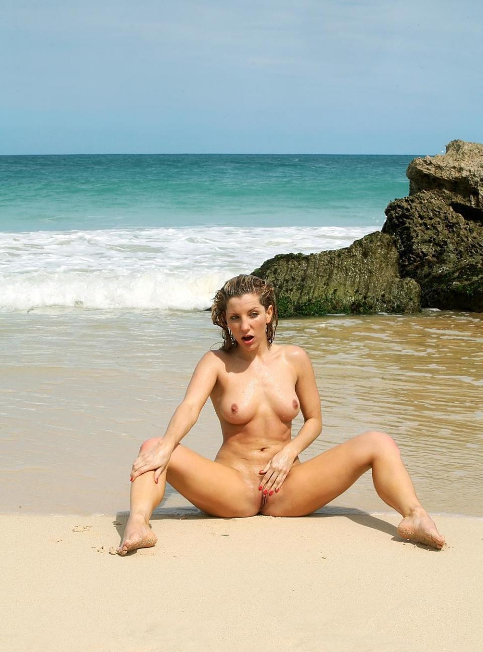 Small tits amature nude