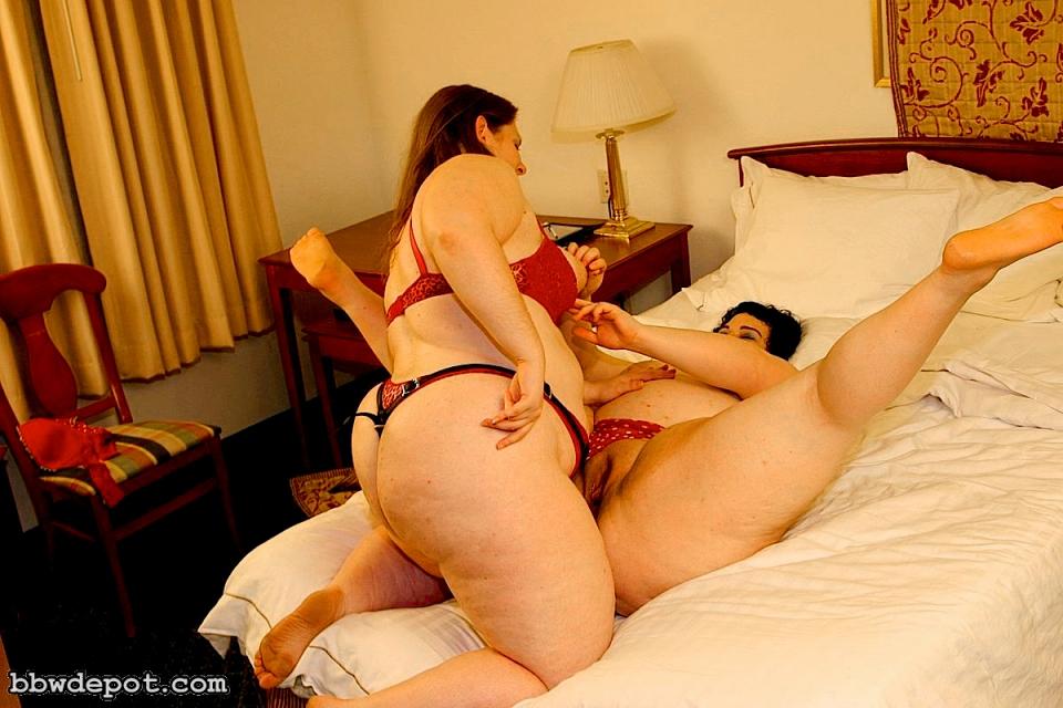 lesbian pegging